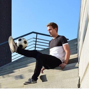Freestyle voetballer Tom Vegter